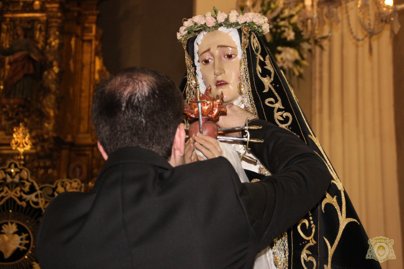 Imposicion del hermano mayor a la Virgen